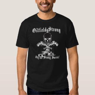 Campo petrolífero fuerte con las pistolas camisetas