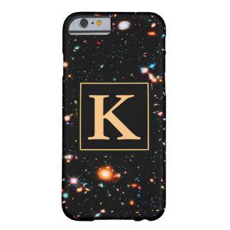 Campo profundo extremo de Hubble con monograma Funda Barely There iPhone 6