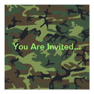 Camuflaje verde militar invitación 13,3 cm x 13,3cm