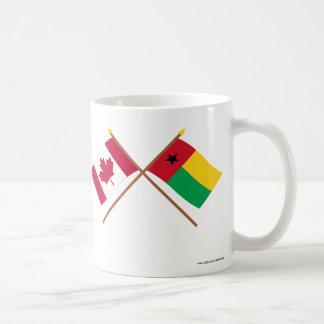 Canadá y banderas cruzadas Guinea-Bissau Taza