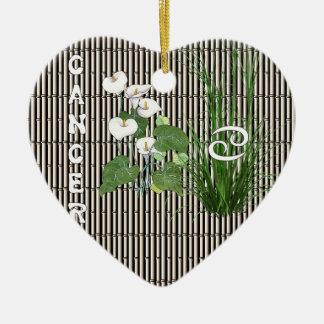 Cáncer del bambú y del lirio adorno de cerámica en forma de corazón