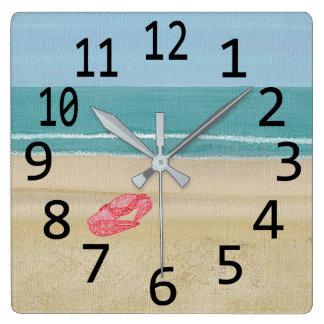 Cangrejo abstracto rojo de la arena en los relojes