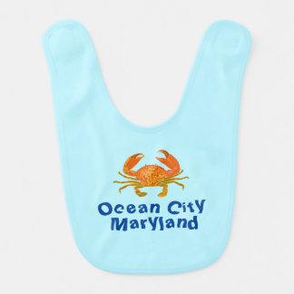 Cangrejo de la ciudad del océano baberos para bebé