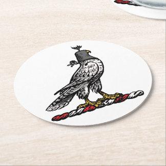 Capilla C del casco del halcón heráldico de la Posavasos Redondo De Papel