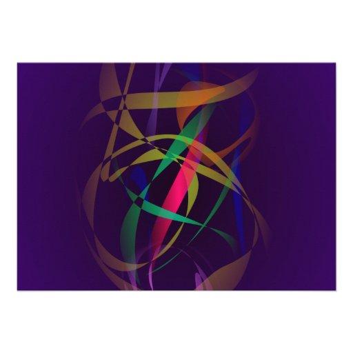 Capullo colorido en un espacio púrpura oscuro comunicados