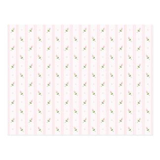 Capullos de rosa y rayas rosados postal