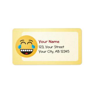 Cara con los rasgones de la alegría etiquetas de dirección
