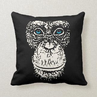 Cara del chimpancé con los ojos azules cojín decorativo