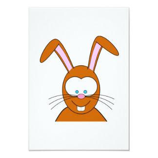Cara del conejo de conejito del dibujo animado comunicados