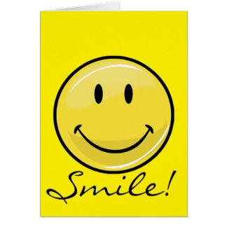 Cara feliz amarilla clásica tarjeta