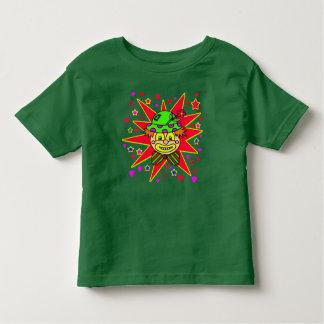 Cara feliz del payaso con el gorra verde camiseta de bebé