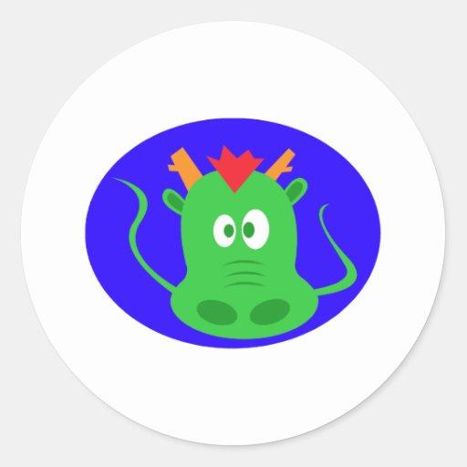 Cara linda del dragón etiqueta redonda