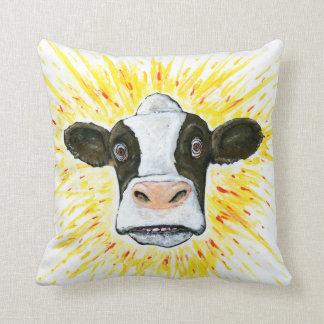 Cara loca de la vaca cojín decorativo