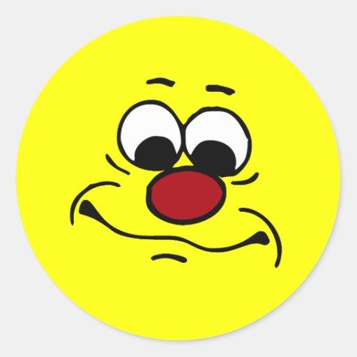 Cara sonriente apática Grumpey Etiqueta Redonda