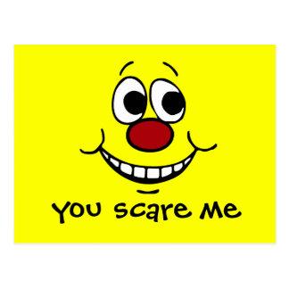 Cara sonriente asustada Grumpey Postal