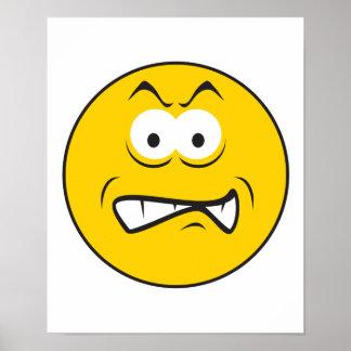 Cara sonriente del gruñido enojado posters
