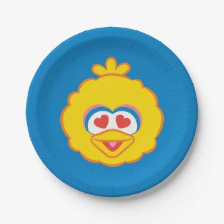 Cara sonriente del pájaro grande con los ojos en plato de papel
