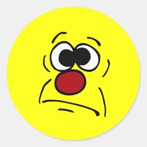 Cara sonriente desafortunada Grumpey Etiquetas Redondas