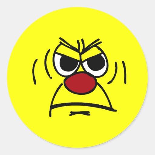 Cara sonriente enojada Grumpey Etiqueta Redonda