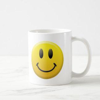 Cara sonriente feliz taza clásica