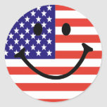 Cara sonriente patriótica pegatina redonda