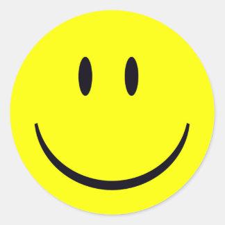 Cara sonriente pegatina redonda
