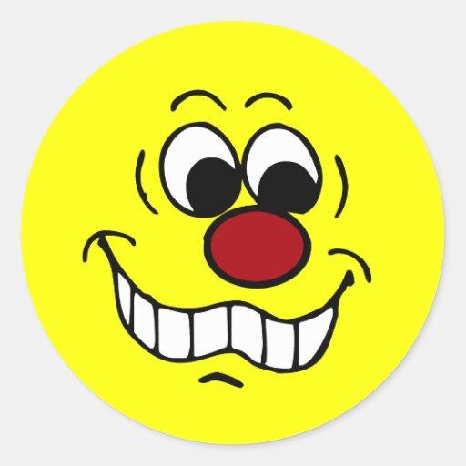 Cara sonriente preocupante Grumpey Etiqueta Redonda
