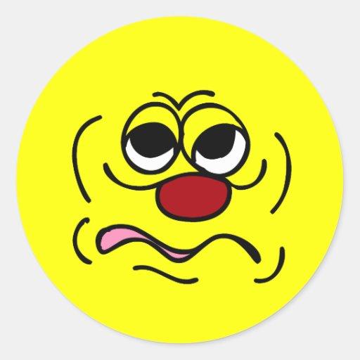 Cara sonriente soñolienta Grumpey Pegatina Redonda