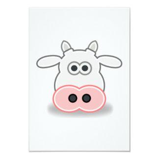 Cara y cabeza de la vaca del dibujo animado invitacion personal