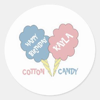 Caramelo de algodón del feliz cumpleaños pegatina redonda