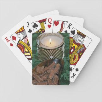 Caramelos de la vela y de chocolate del día de baraja de cartas