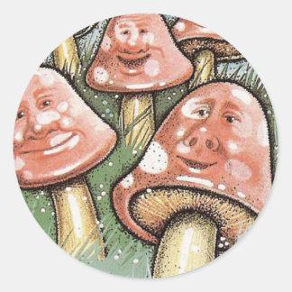 Caras caprichosas rosadas de la seta pegatina redonda