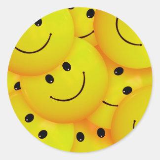 Caras sonrientes amarillas felices frescas de la pegatina redonda