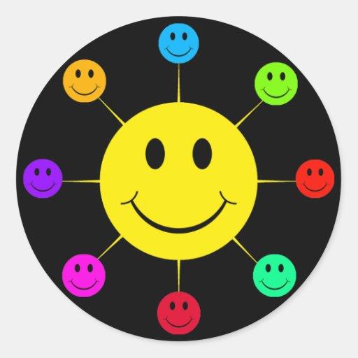 Caras sonrientes coloridas pegatinas redondas