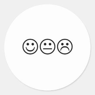 Caras sonrientes negras etiquetas redondas