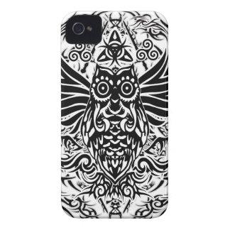 Carcasa Para iPhone 4 De Case-Mate Búho tribal del tatuaje