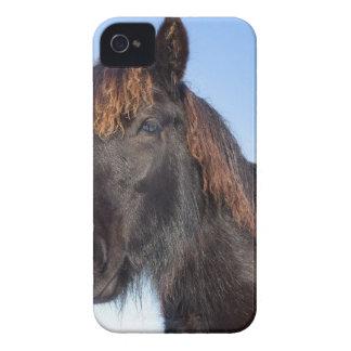 Carcasa Para iPhone 4 De Case-Mate Cabeza del retrato del caballo negro del Frisian