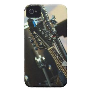 Carcasa Para iPhone 4 De Case-Mate La música de los instrumentos teclea el