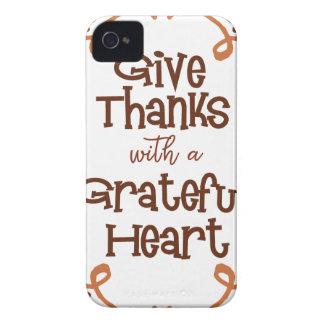 Carcasa Para iPhone 4 Dé las gracias con un corazón agradecido