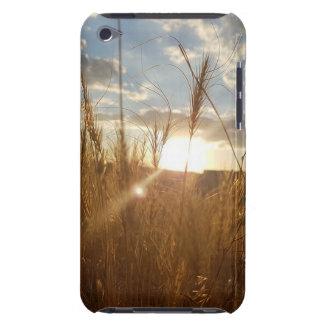 Carcasa Para iPod Foto hermosa de una puesta del sol sobre un campo