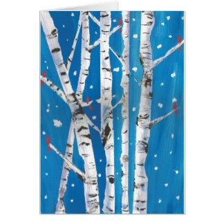Cardenales en tarjeta de los árboles de abedul del