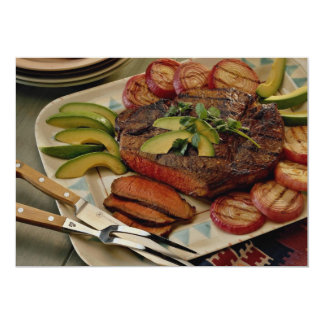 Carne asada de carne de vaca cortada con las anuncio personalizado