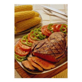 Carne asada de carne de vaca deliciosa con maíz invitaciones personales