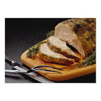 Carne asada de cerdo cortada deliciosa anuncio personalizado