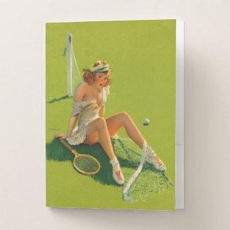 Carpeta Con Bolsillos Chica modelo del tenis retro de Gil Elvgren del
