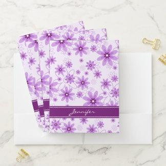 Carpeta Con Bolsillos Margaritas púrpuras y blancas con su nombre