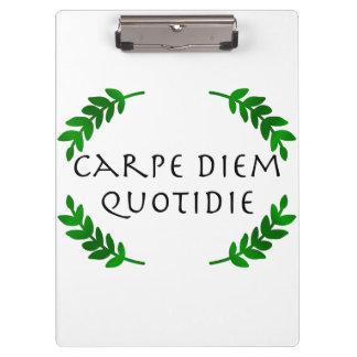 Carpeta De Pinza Carpe Diem Quotidie - agarre el día, cada día