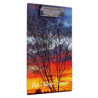 Carpeta De Pinza Coma el tablero de la puesta del sol del arco iris
