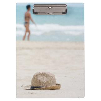 Carpeta De Pinza Gorra en la playa