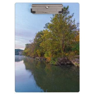 Carpeta De Pinza Lago Springfield morning del otoño